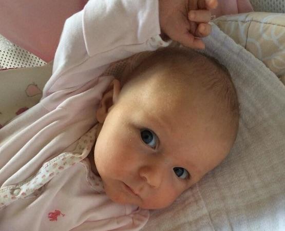 エミリー・ブラントとジョン・クラシンスキーが娘の写真を公開_-_海外セレブ通信