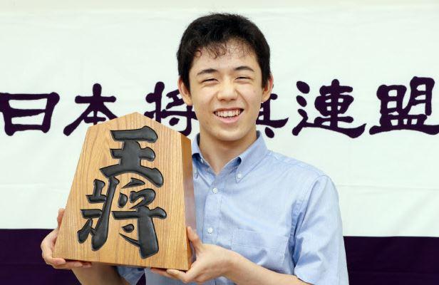 「藤井聡太 年収」の画像検索結果