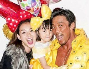 SHIHOの娘は沙蘭ちゃんは秋山成勲さんとの子供