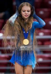アレクサンドラ・トゥルソワ(トルソワ)の髪の毛が長くて怖いと話題