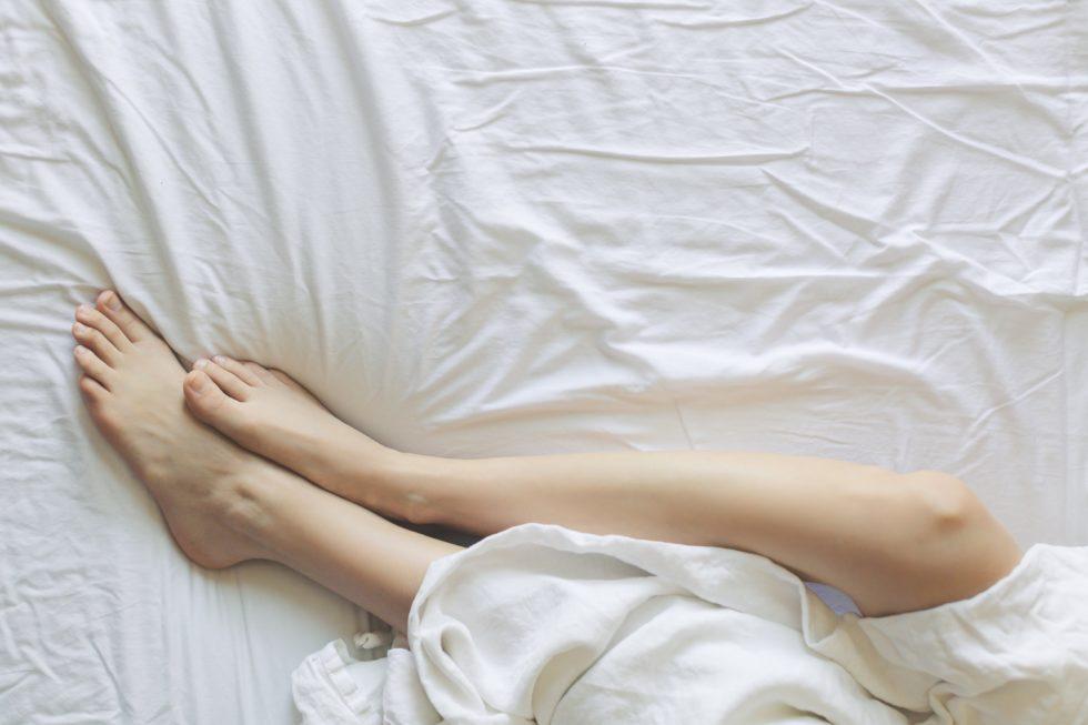 【解消】足のむくみをとる3つの方法!体操・ツボ以外に食べ物が大事