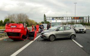 高齢者の車運転の事故が多発!原因はなに?