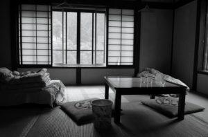 昼休みに昼寝するおすすめの場所:休憩室